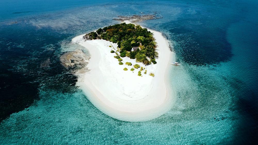 l'île de North Cay à Busuanga (2021) on peut y vivre comme des Robinson Crusoé.