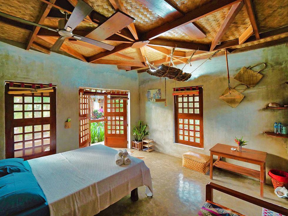 Himulak Chambre, Pour ce faire, d'anciennes chambres de familles à l'architecture typiquement Palaweño reconvertie en petite adresse cosy et pleine de charme