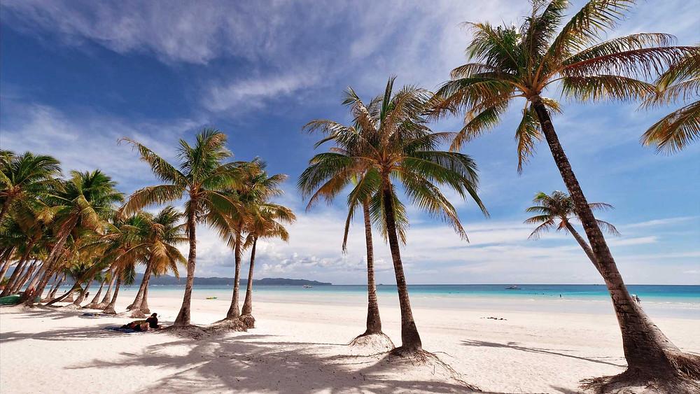 Un besoin urgent de soleil et de plage? Ouiphilippines.com a testé pour vous la White Beach pour devenir des experts du farniente made-in-Boracay