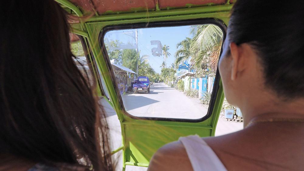 Un tour de l'île en scooter, en tricycle sur les routes de Bantayan permet de découvrir des endroits dans lesquels vous ne vous seriez jamais arrêtés.