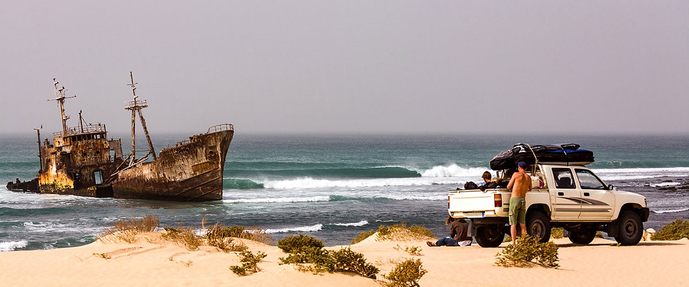 """Le fameux cliché du """"surfExplore"""" qui déclencha le mythe Coud 9 à Siargao"""