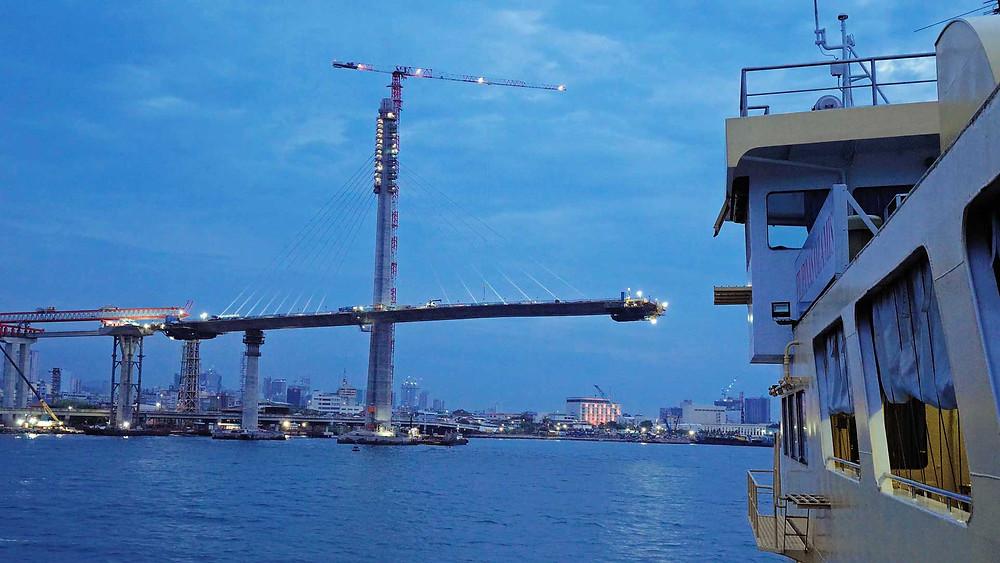 Le quatrième pont Cebu-Mactan Bridge, en construction avril 2021