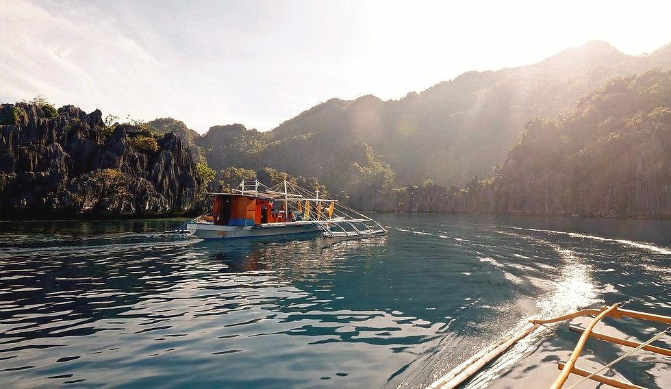 Exploration expédition en bateau privé à coron twin lagoon
