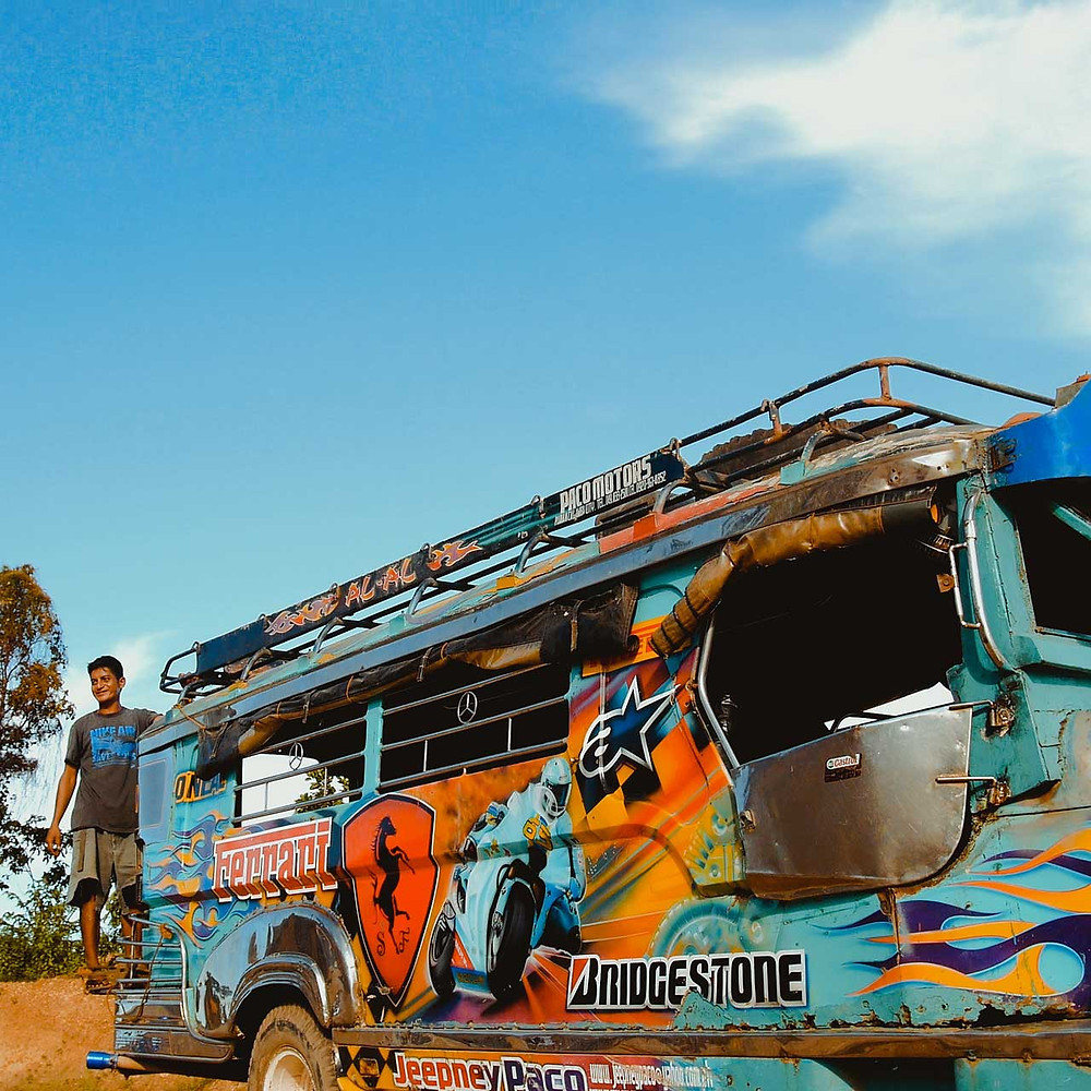 Les Jeepney font partie du paysage philippin depuis des décennies - Himulak Lodge