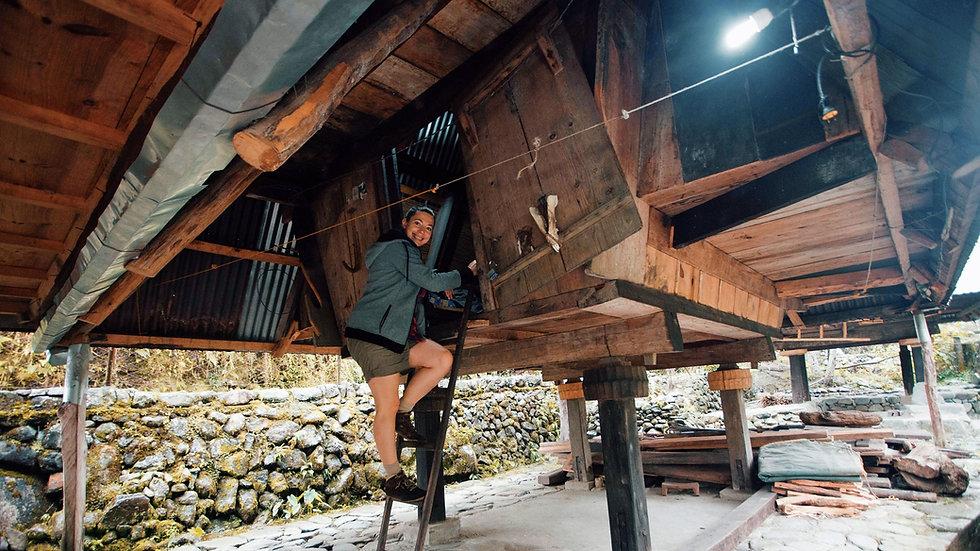 Entrée hutte Ifugao chez Victor à Hapao