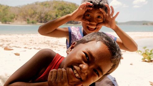 The joy of the Filipinos (also called Pinoy) is omnipresent in the islands