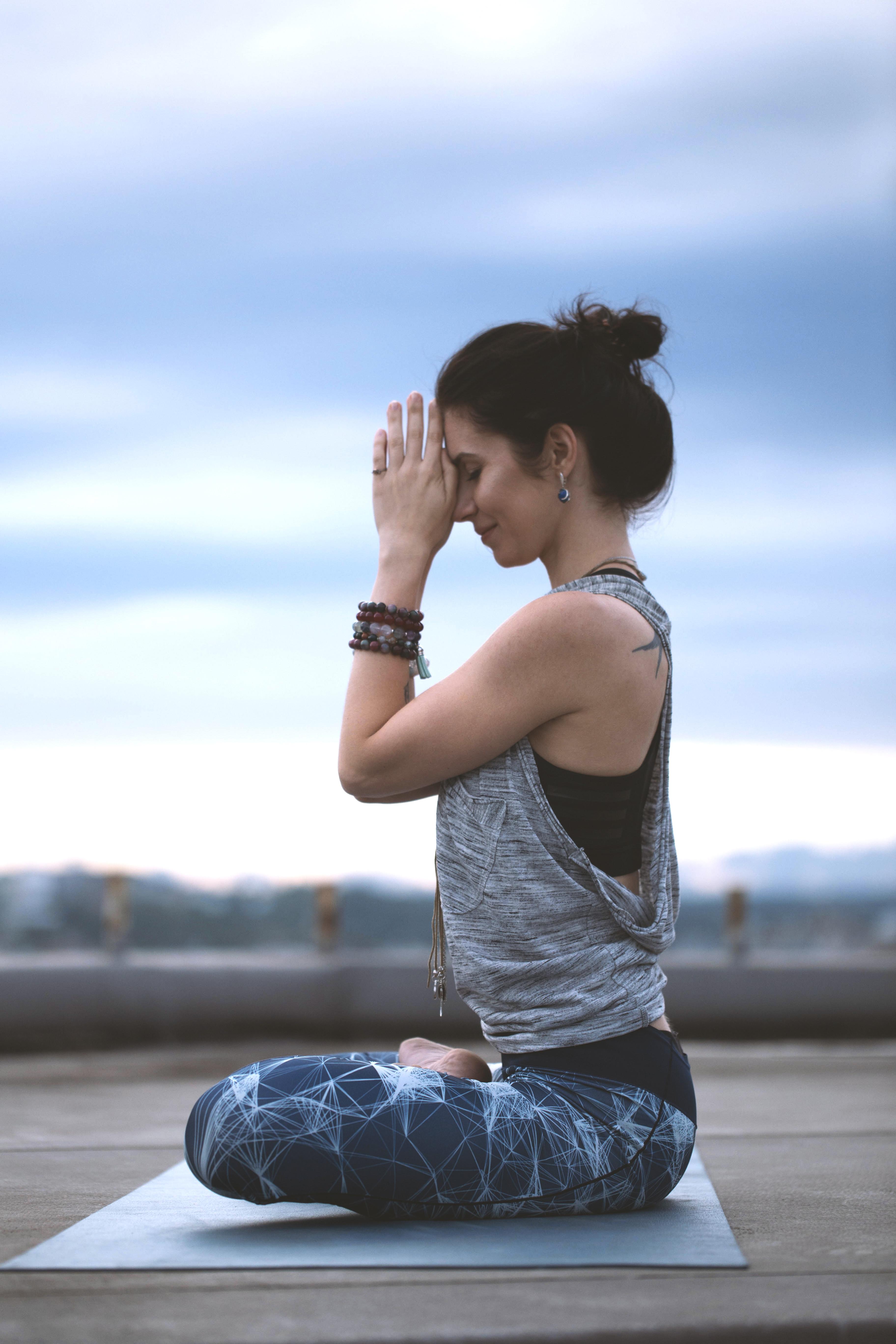 「動中取靜」 陰瑜珈練習(1.5小時)