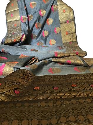 Elegant Grayish Blue Matka Cotton Silk Saree