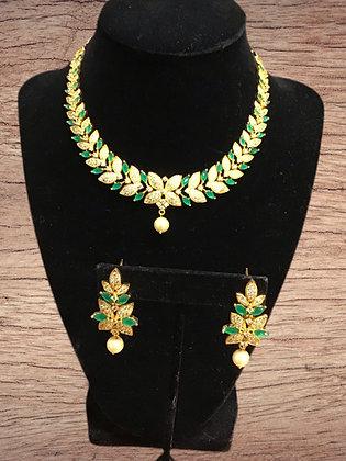 Gorgeous Green Necklace Set