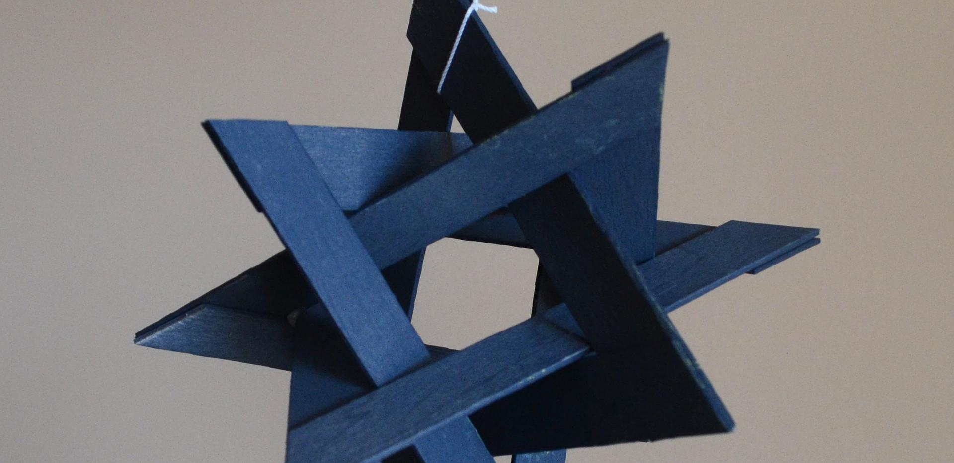 Four Triangle Polylinks