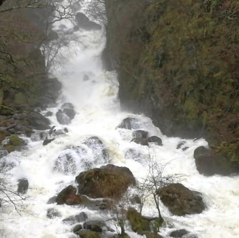 Lodore Falls.mp4