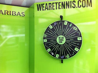 roue de la chance, roue de loterie, roue de la fortune, sur facade, animation commerciale