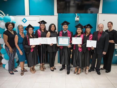 Universidad di Aruba ta Conoce Shete Graduado nobo como Docente di Matematica
