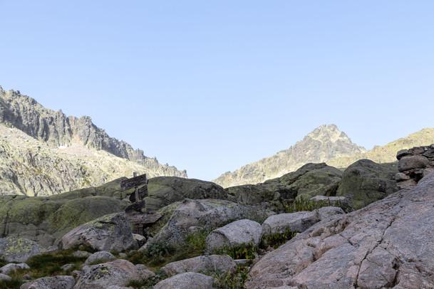15 . Pico Almanzor