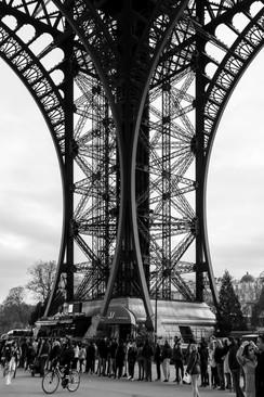 02 . Paris