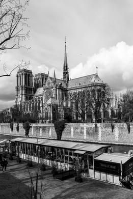 04 . Paris
