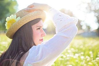 pretty-woman-1509959_640.jpg