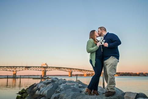 Kristen+Dan-Yorktown-Beach-Engagement0150.jpg