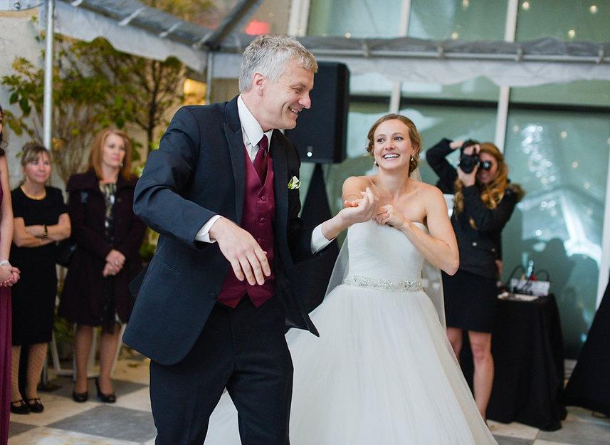 Carolin Martin Wedding Photography photographing a wedding at Quirk Hotel in Richmond, VA