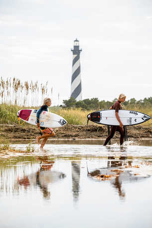 Buxton-Cape-Hatteras-Lighthouse-Surfing © Caroline Martin Photography-1.jpg