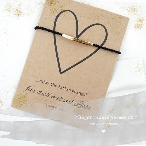 Als schönes Geschenk geht unser Armband zusammen mit einer süßen Botschaft in Form einer Geschenkkarte auf die Reise, um Glück und Freude zu bereiten.