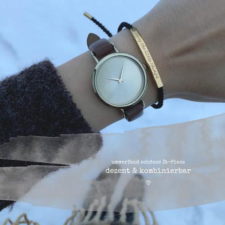 Die aufwändig in Handarbeit geknoteten Armbänder bieten wir in 2 wunderschönen Ausführungen an – die jedem Handgelenk schmeicheln!