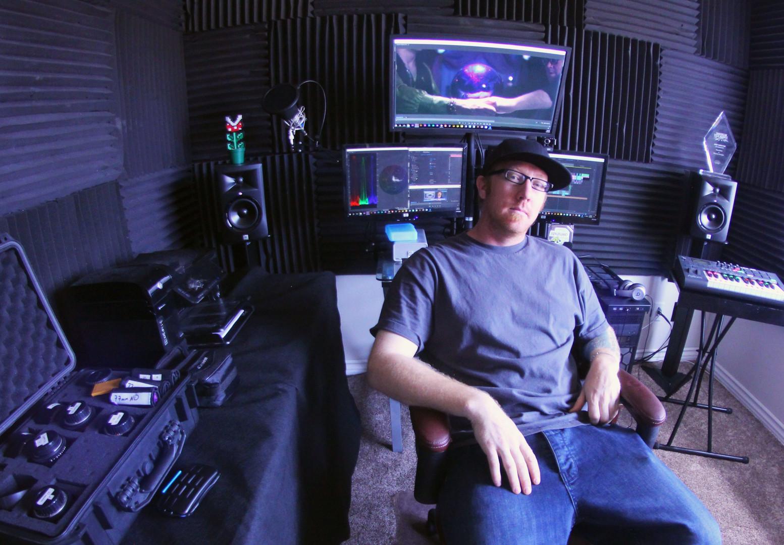 Paul M In His Studio.jpg