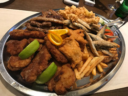Papaline, Fresh fried fish with chips by the lake in Međimurje