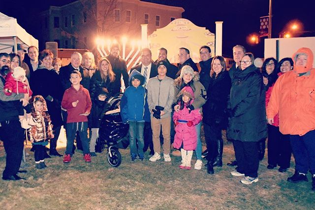 Lovely smiles lighting up the night at the Everett Public Menorah lighting! Thank you _mayorcarlodem