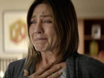 """Cake"" – Aniston captures a bereaved parent's struggle"