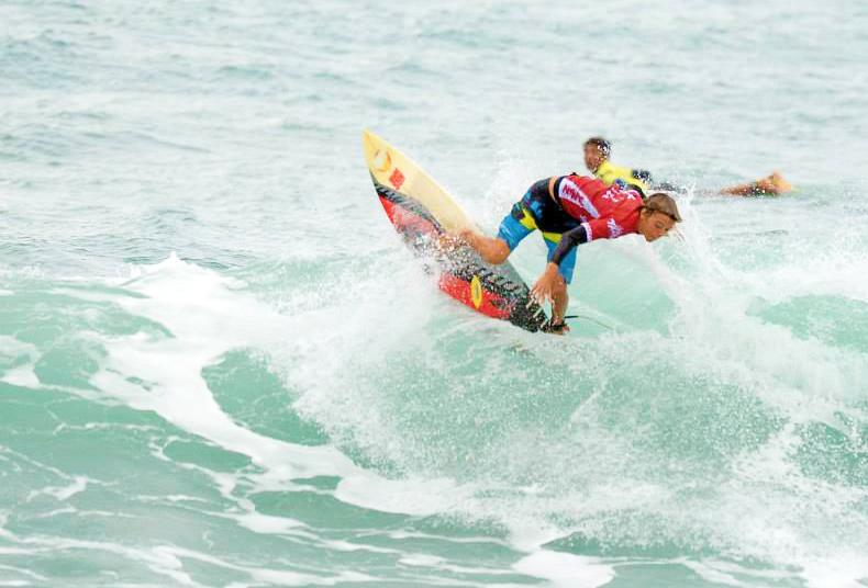 Surf W09 790x536