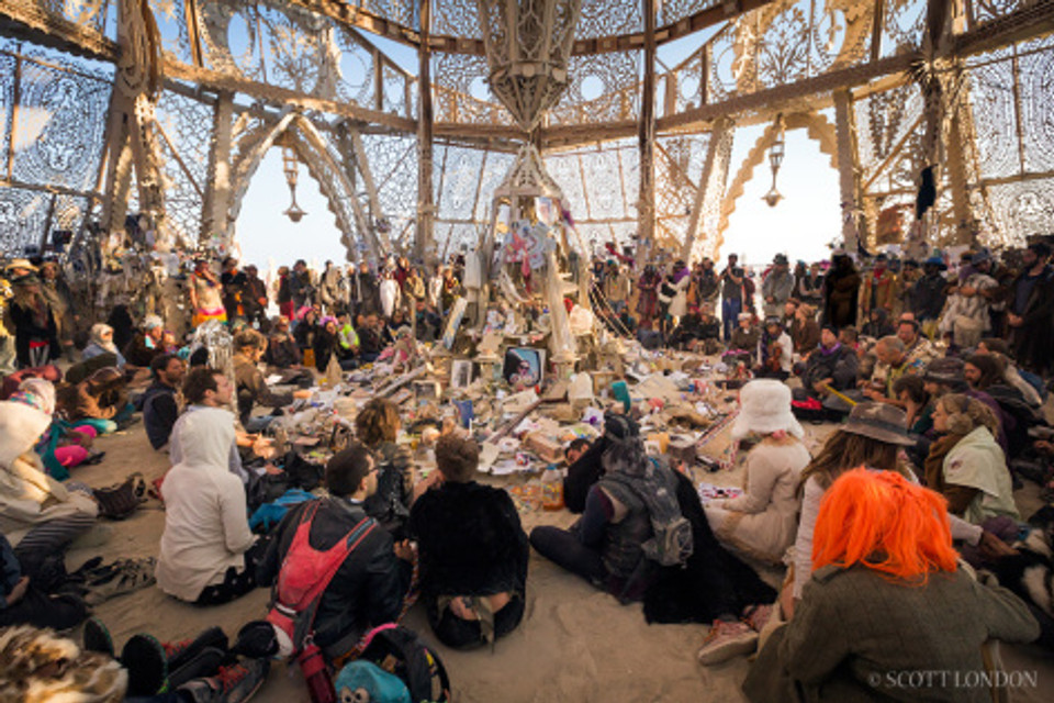 Copyright 2014 by Scott London (http://www.scottlondon.com/photo/burningman2014/031.html)