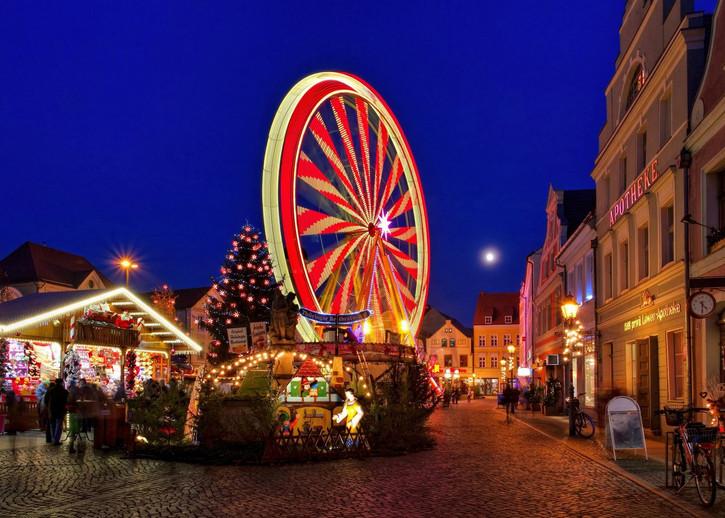 Weihnachtsmarkt-Cottbus-Riesenrad.jpg
