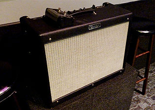 Markee Music Studio D Fender Hot Rod Deluxe