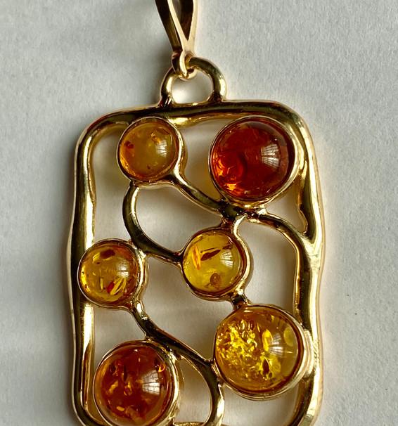 Multicolour amber