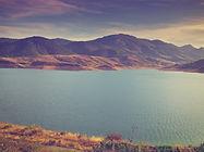 Lago e Montanhas
