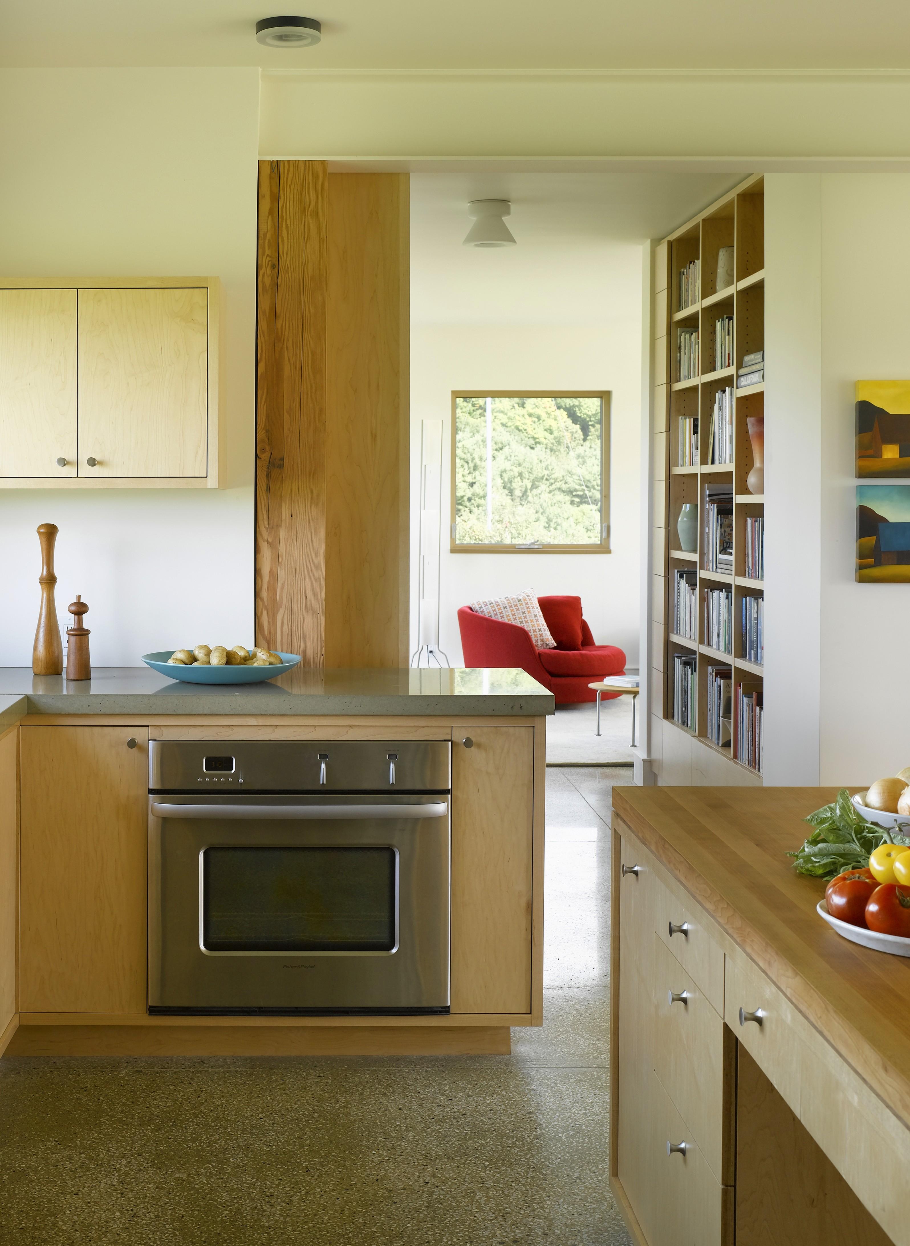 kitchen toward bookshelves and living rm