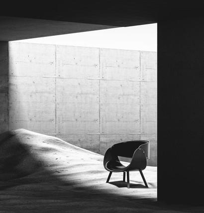 Product Design - Mid Century Modern Chair / Minimal Environment