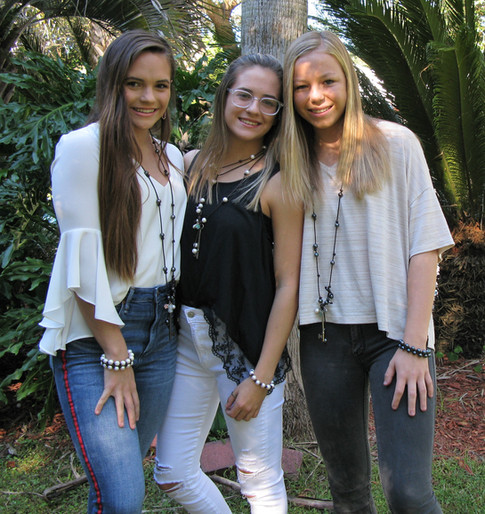 girls13.JPG