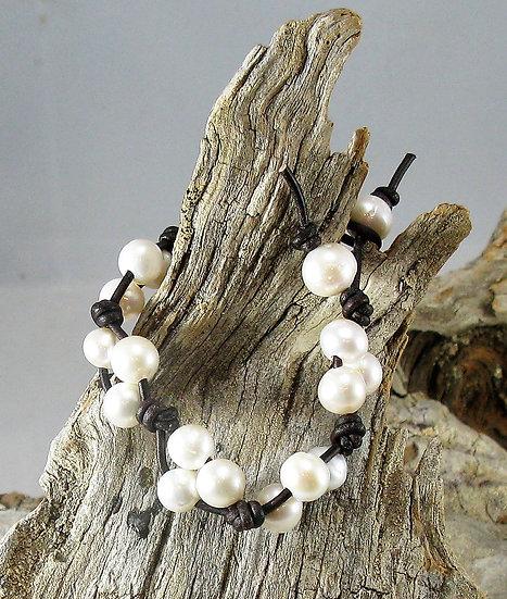 Threesie Pearl Bracelet