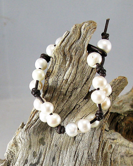 Foursie Fresh water pearl Bracelet
