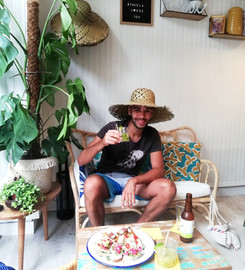 espace cosy lounge restaurant favela hen