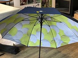 Parapluie bleu Philippe Chatrier.jpg