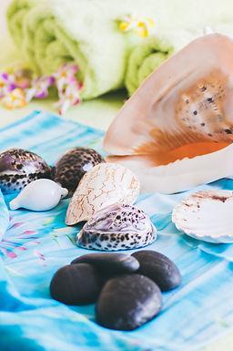 Lomi Lomi, Stone & Shell Massage