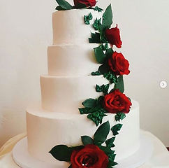 wedding cake with roses.jpg