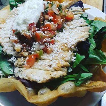 salad in tortilla bowl.jpg
