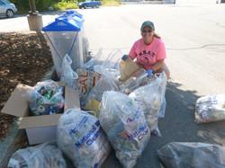 ++Kelly sorting trash