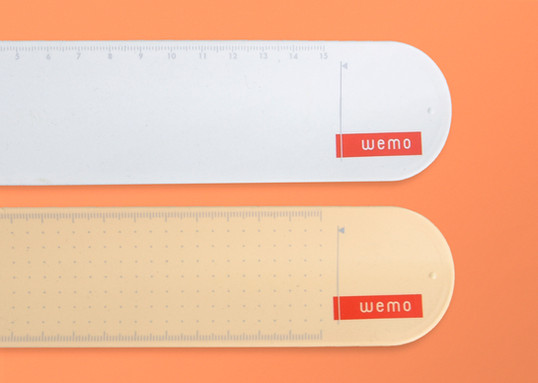 05  Focused on the measure that the nurses must carry to write the scale.jpg