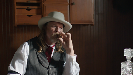 Trace Adkins in Traded Film