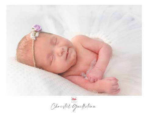 ChristelG-NewbornStudio6.jpg